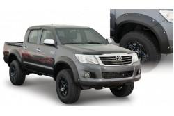 Poszerzenia błotników BUSHWACKER - Toyota Hilux