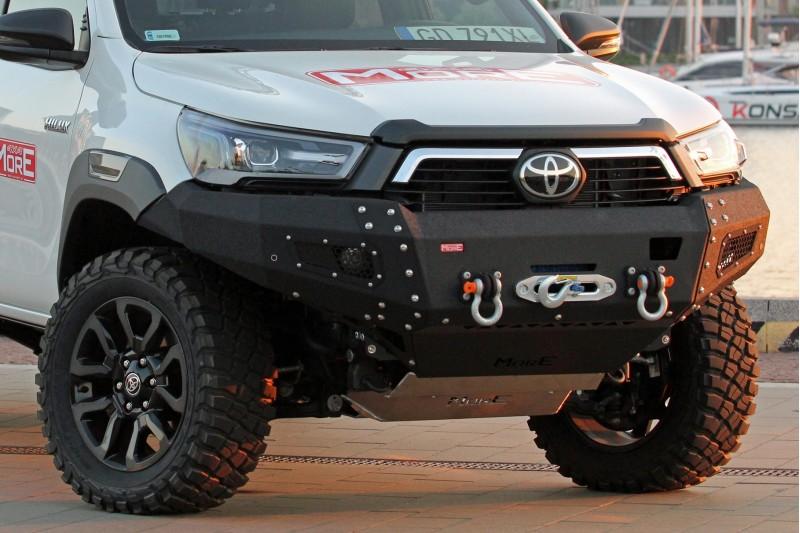 Zderzak przedni stalowy More 4x4 Toyota Hilux REVO
